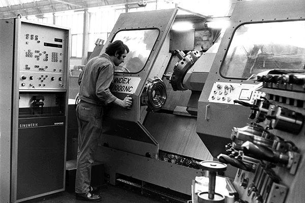 NC Maschine in einem Atelier BijouxStadelmann